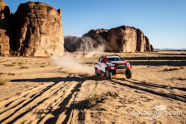 "Toyota Gazoo Racing Toyota Hilux: Fernando Alonso, Marc Coma <span class=""copyright"">Toyota Racing</span>"