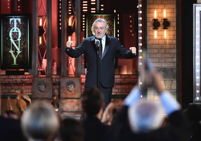 De Niro apologizes to Canada for 'idiotic behavior of my president'
