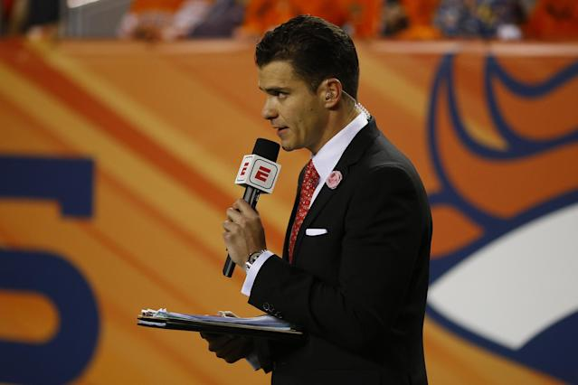 Yahoo's Kevin Kaduk examines what Sergio Dipp's unfortunate performance demonstrates about the art of sideline reporting.