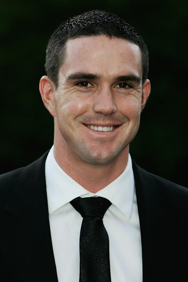 LONDON - MAY 01:  Kevin Pietersen arrives at The Sport Industry Awards 2008 at Battersea Evolution on May 1, 2008 in London, England.  (Photo by Chris Jackson/Getty Images)