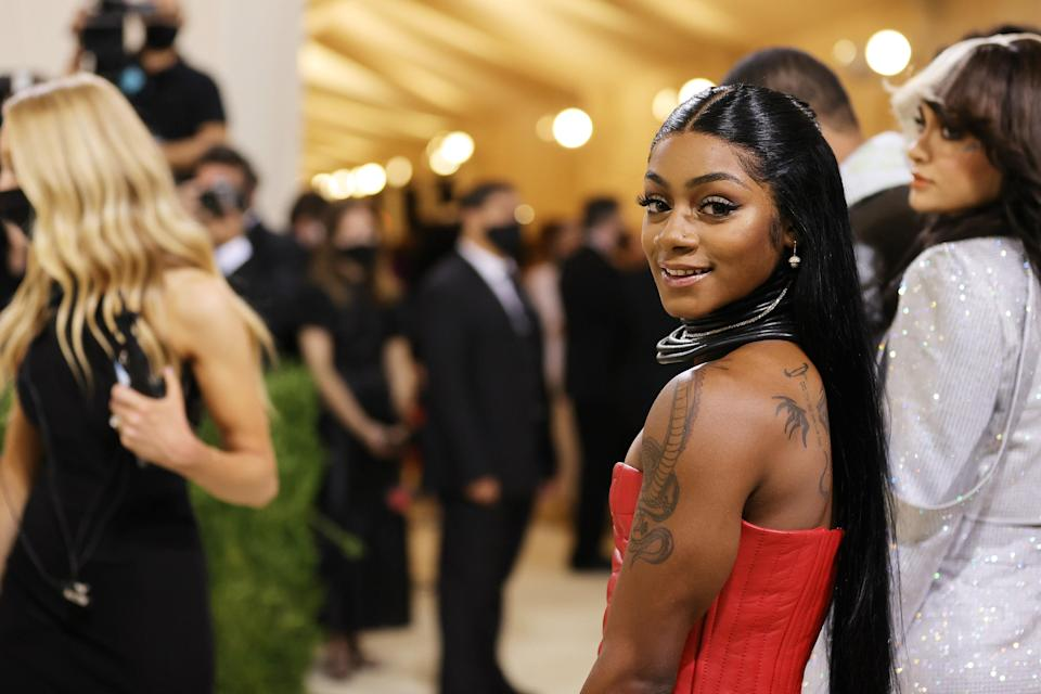 NEW YORK, NEW YORK - SEPTEMBER 13: Sha'Carri Richardson attends The 2021 Met Gala Celebrating In America: A Lexicon Of Fashion at Metropolitan Museum of Art on September 13, 2021 in New York City. (Photo by Mike Coppola/Getty Images)
