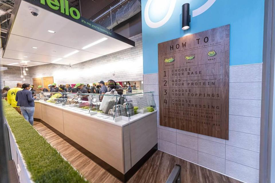 Salata allows customers to choose their base, protein, toppings and dressing for their wraps, salads and bowls.