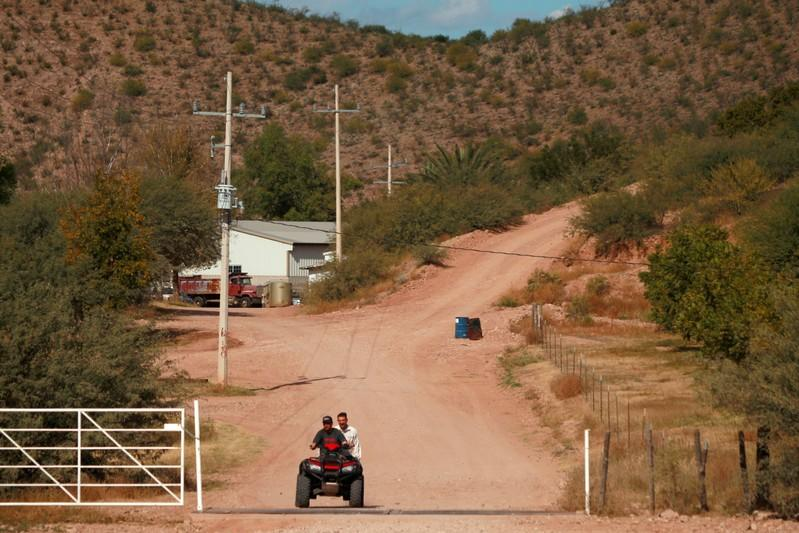 After killings, Mexican hamlet fears 'ghost town' if U.S. neighbours flee