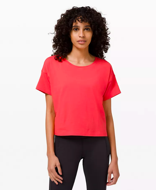 Cates Tee (Photo via Lululemon)