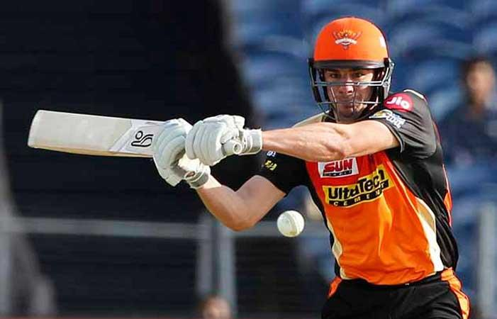 IPL 10: Moises Henriques' late blows propel Hyderabad to 176/3 vs Pune Supergiant