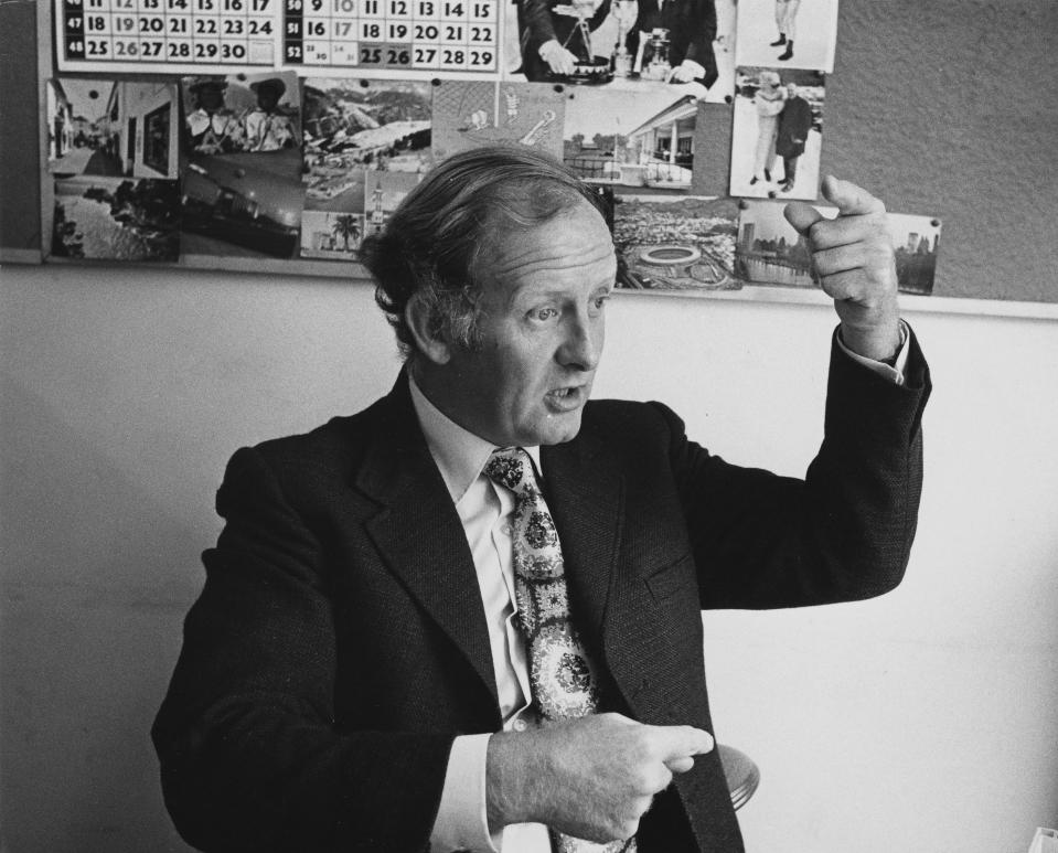 Portrait of television presenter Frank Bough in conversation, photographed for Radio Times in connection with the television show 'Olympic Grandstand', August 1972. (Photo by Clive Barda/Radio Times/Getty Images)