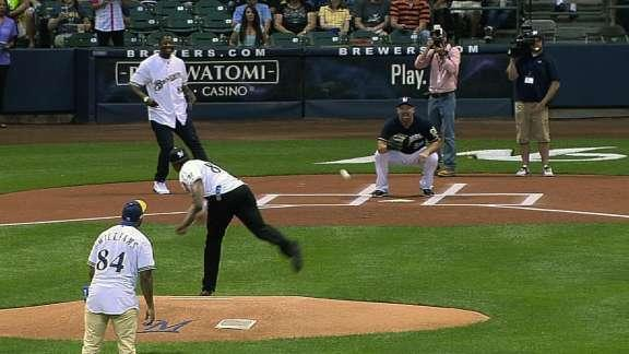 Packers tight end Jermichael Finley spikes first pitch attempt in Milwaukee