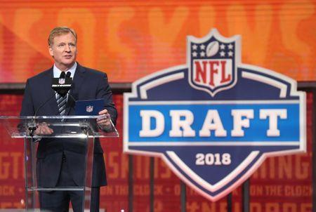 Apr 26, 2018; Arlington, TX, USA; NFL commissioner Roger Goodell annouces the number twelve overall pick for the Tampa Bay Buccaneers in the first round of the 2018 NFL Draft at AT&T Stadium. Mandatory Credit: Matthew Emmons-USA TODAY Sports