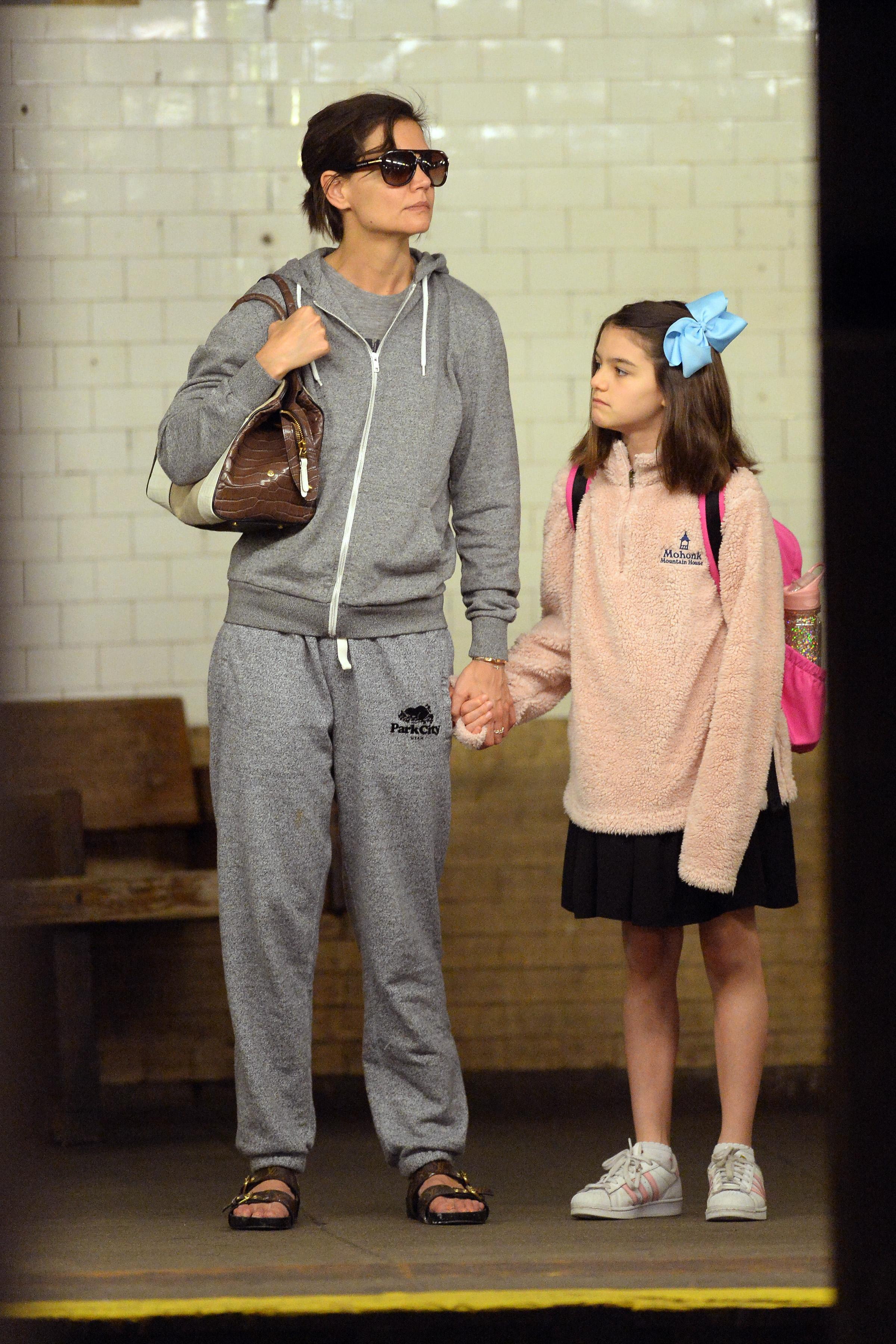 Katie Holmes and daughter Suri Cruise took the New York City subway earlier Monday. (Photo: Splash News)