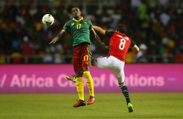 Football Soccer - African Cup of Nations - Final - Egypt v Cameroon - Stade d'Angondjé - Libreville, Gabon - 5/2/17 Cameroon's Arnaud Djoum in action with Egypt's Tarek Hamed Reuters / Mike Hutchings Livepic