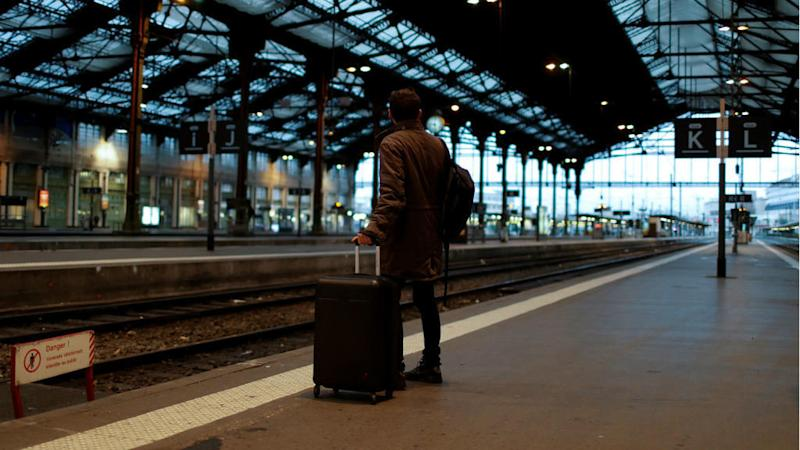 France transport strikes threaten to sow chaos during holiday travel season