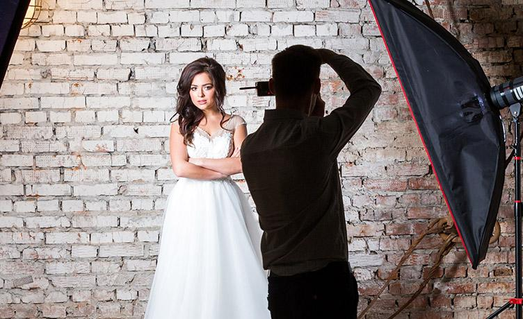 The photographers had some questions for the 'influencer' bride. Photo: Getty Images