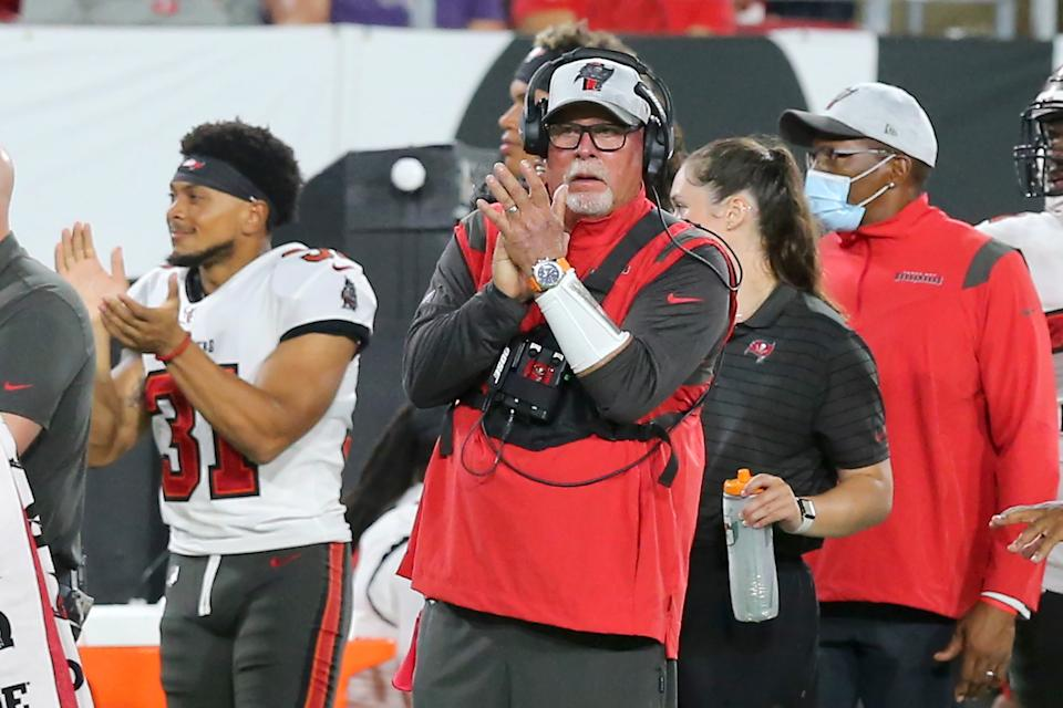 Head coach Bruce Arians says the Buccaneers have reached 100% vaccination status. (Photo by Cliff Welch/Icon Sportswire via Getty Images)