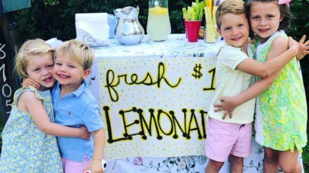 PHOTO: Beatrice and Poppy Weidner with their best friends Jack and Briggs Zerbe had a lemonade stand on their street to raise money for the Cincinnati children's hospital. (Courtesy Hillary Weidner)