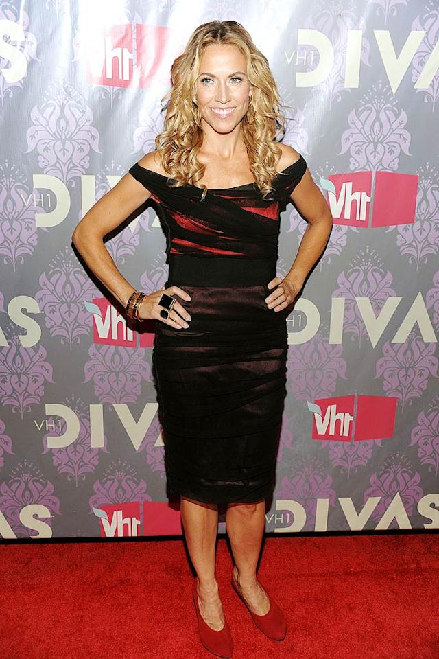 """Sheryl Crow showed off her fab physique in a Dolce & Gabbana frock, which she unfortunately paired with frumpy red shoes. Dimitrios Kambouris/<a href=""""http://www.wireimage.com"""" target=""""new"""">WireImage.com</a> - September 17, 2009"""