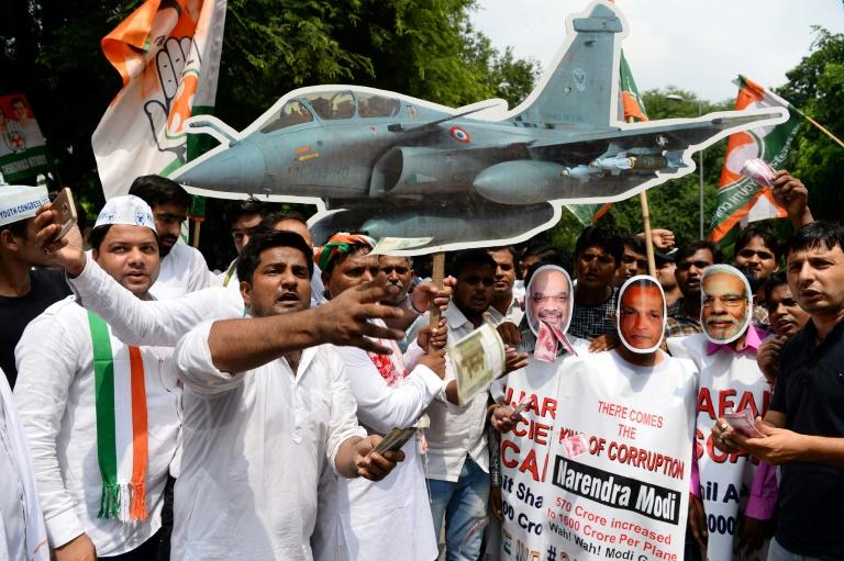 India's opposition Congress party has accused Prime Minister Narendra Modi of favouring a private conglomerate over a public company in the aircraft deal