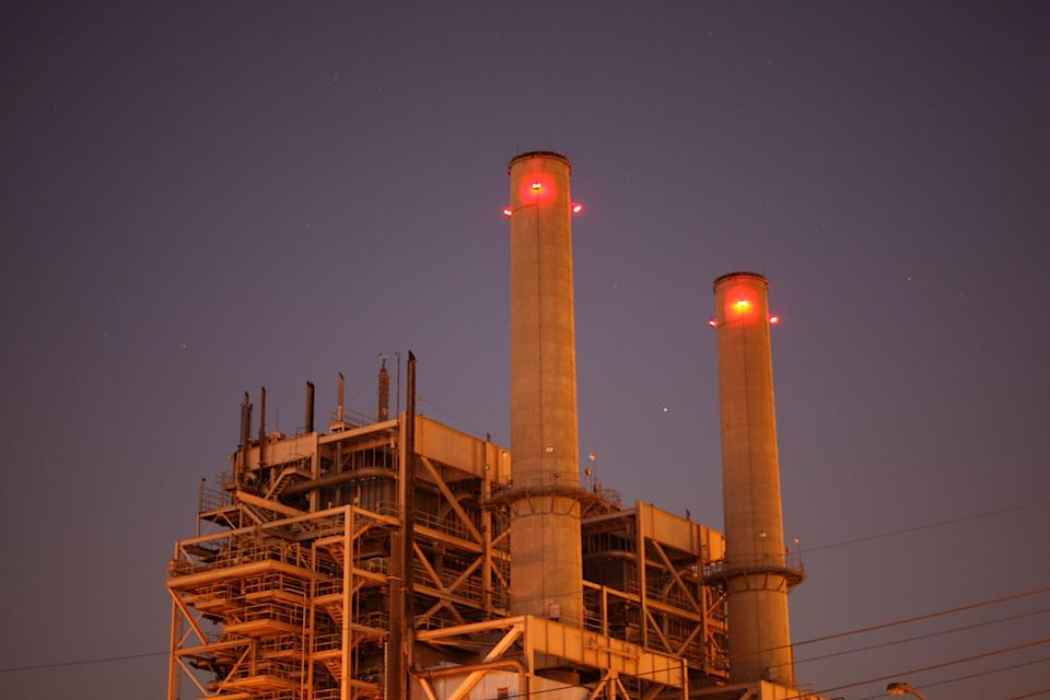 AES Corp.'s gas-fired Alamitos Energy Center in Long Beach is one of California's largest power plants. (Photo: David McNew via Getty Images)