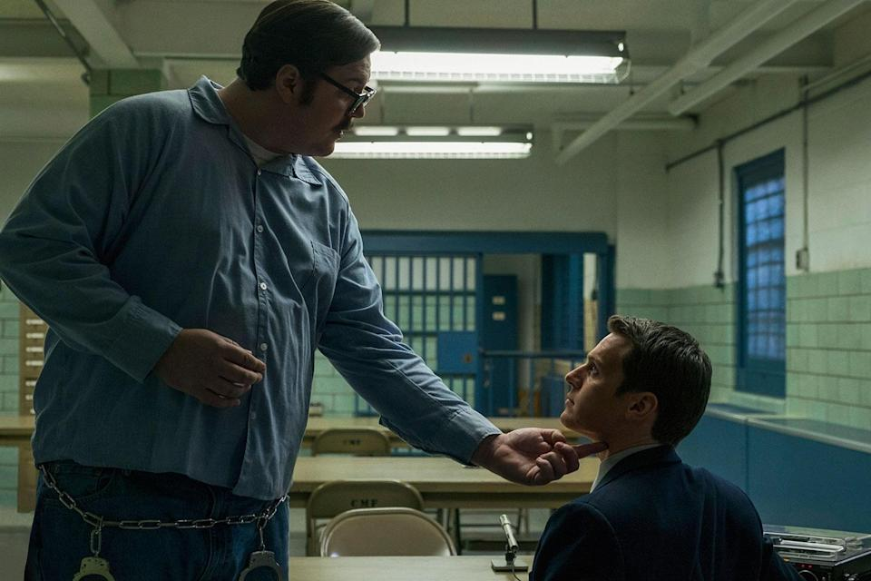 Holden Ford visits a high security prison to interview real-life serial killer Ed Kemper. (Patrick Harbron/Netflix)