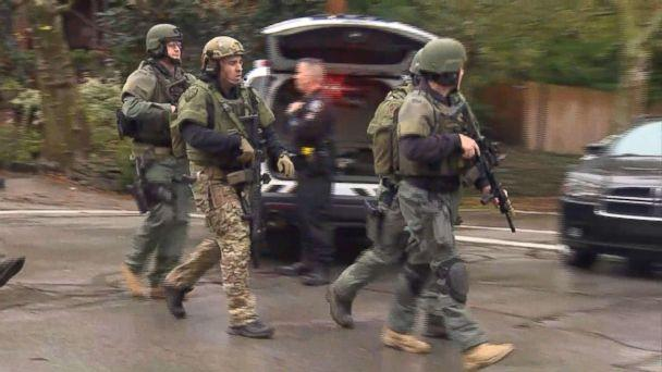 PHOTO: Police at the scene in Pittsburgh where an active shooter was reported, Oct. 27, 2018. (WTAE)