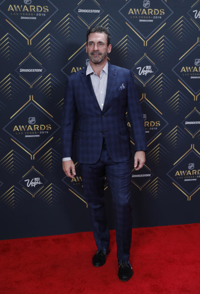 Jon Hamm poses on the red carpet before the NHL Awards, Wednesday, June 19, 2019, in Las Vegas. (AP Photo/John Locher)