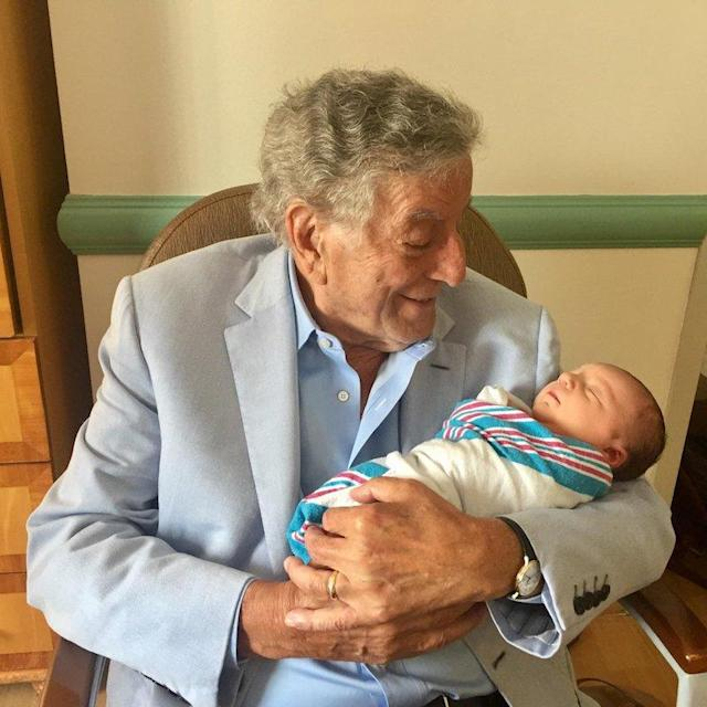 "<p>""Welcoming my new grandson … born this weekend!"" the crooner wrote about his family's new arrival. Congratulations! (Photo: <a href=""https://twitter.com/itstonybennett/status/907367134224887809"" rel=""nofollow noopener"" target=""_blank"" data-ylk=""slk:Tony Bennett via Twitter"" class=""link rapid-noclick-resp"">Tony Bennett via Twitter</a>) </p>"