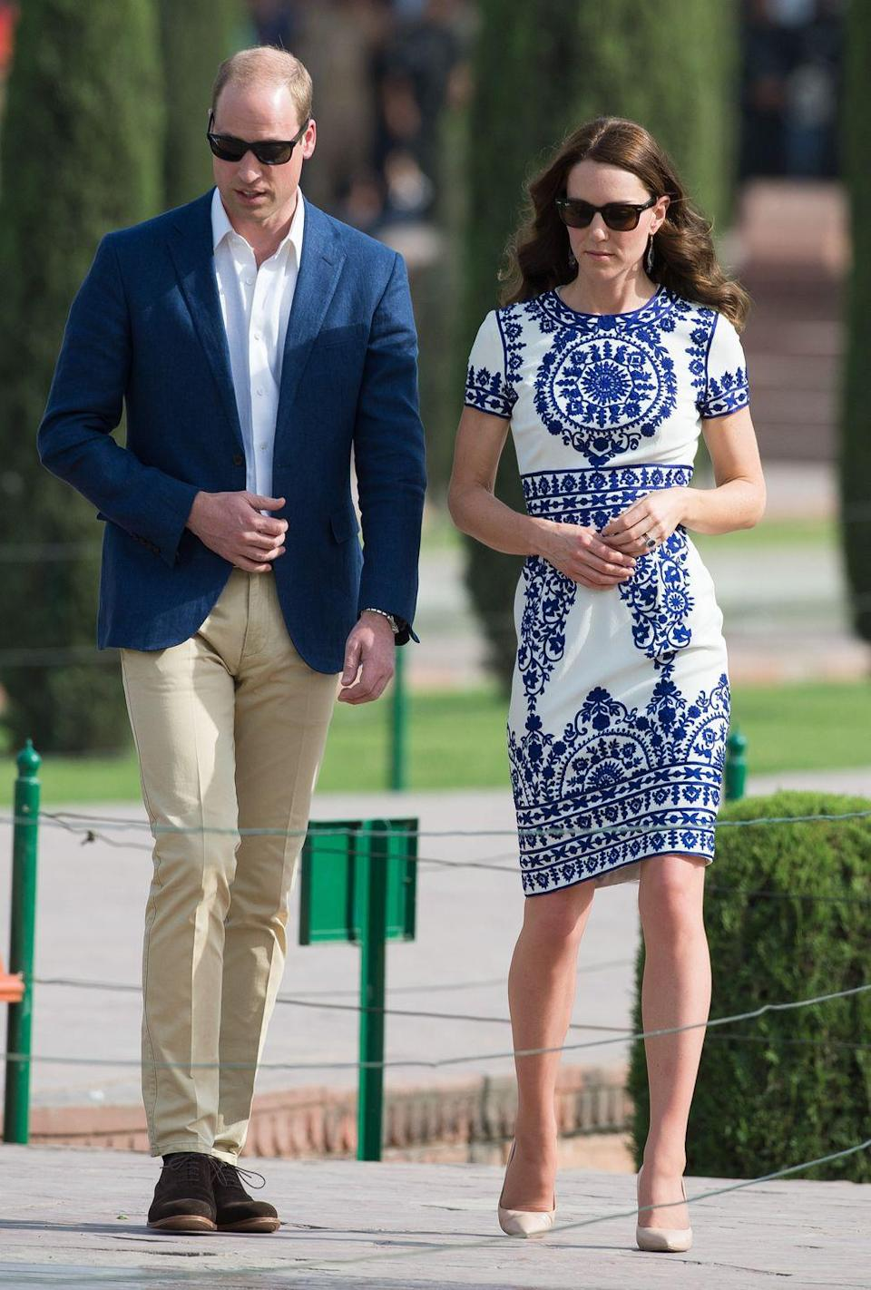<p>The Duchess of Cambridge stuns in a china blue-and-white shift dress by Indian-American designer Naeem Khan during her trip to the Taj Mahal.</p>