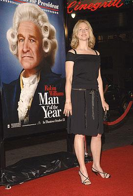 """Premiere: <a href=""""/movie/contributor/1800026206"""">Laura Linney</a> at the Los Angeles premiere of Universal Pictures' <a href=""""/movie/1809424196/info"""">Man of the Year</a> - 10/5/2006<br>Photo: <a href=""""http://www.wireimage.com"""">Lester Cohen, Wireimage.com</a>"""