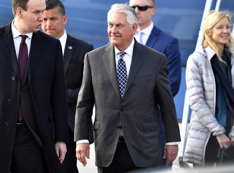 US Secretary of State Rex Tillerson (C) arrives at the Vnukovo II Government airport in Moscow, on April 11, 2017 (AFP Photo/Alexander Nemenov)
