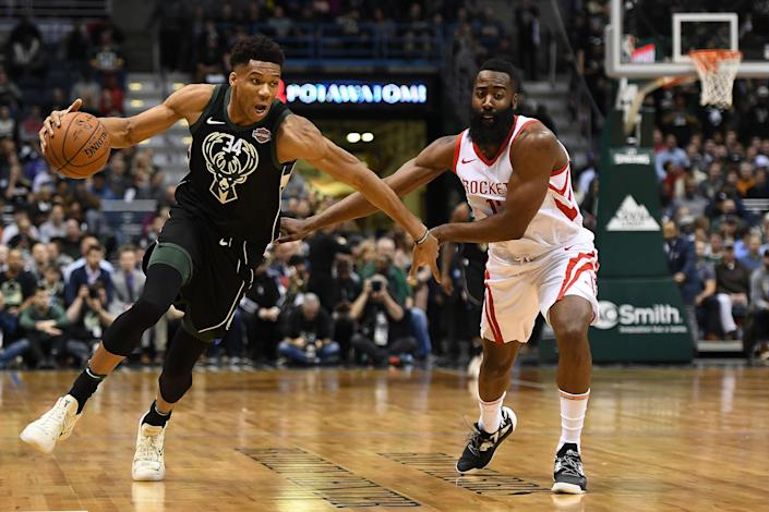 """<a class=""""link rapid-noclick-resp"""" href=""""/nba/players/5185/"""" data-ylk=""""slk:Giannis Antetokounmpo"""">Giannis Antetokounmpo</a> and <a class=""""link rapid-noclick-resp"""" href=""""/nba/players/4563/"""" data-ylk=""""slk:James Harden"""">James Harden</a> finished 1-2 in last year's MVP race. (Stacy Revere/Getty Images)"""