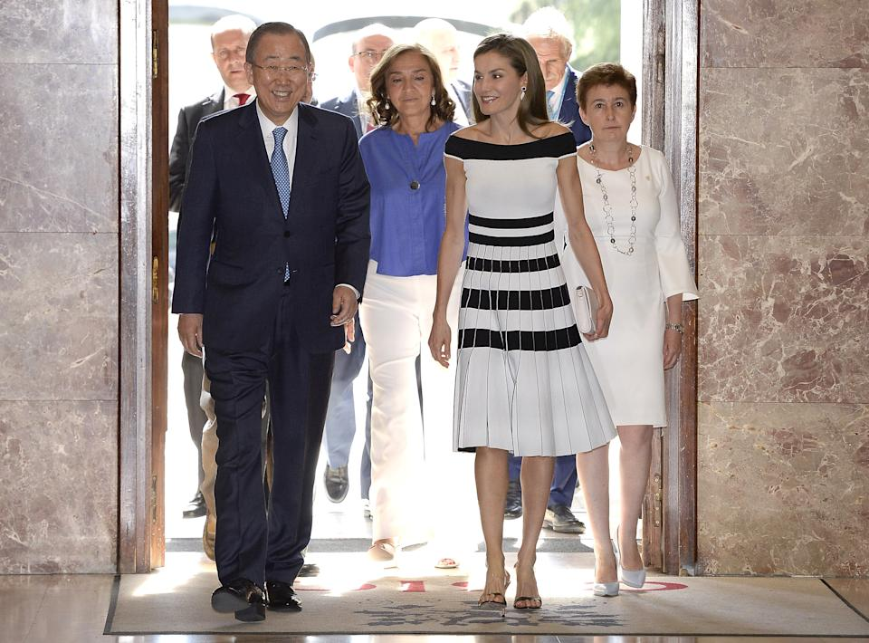 MADRID, SPAIN - JUNE 13:  Queen Letizia of Spain (R) and Ban Ki-moon attend the 2017 UNICEF Awards ceremony at the CSIC on June 13, 2017 in Madrid, Spain.  (Photo by Fotonoticias/WireImage)