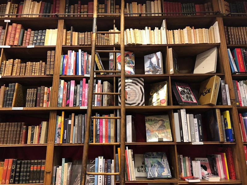 The oldest bookshop in Paris (Lindsey Johnstone)