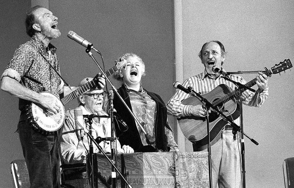 Fred Hellerman (far right) was an American folk singer, guitarist, producer, and songwriter, and the last surviving member of the Weavers. He died Sept. 1 at age 89. (AP Photo/Richard Drew, File)