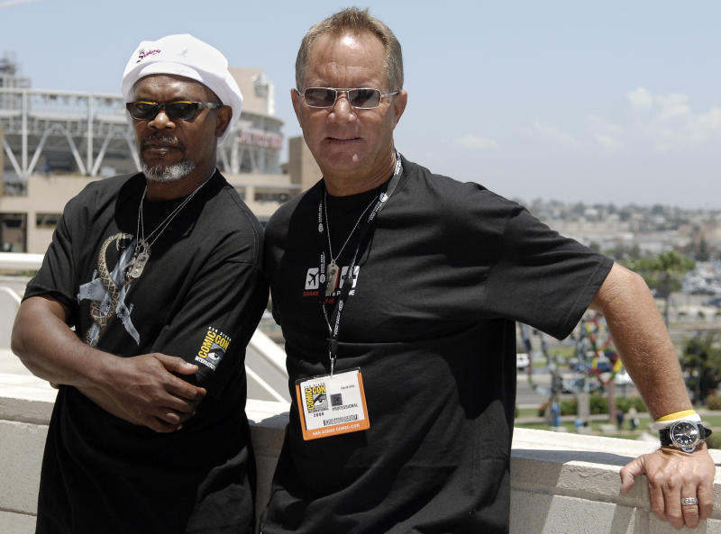 """FILE - In this July 21, 2006 file photo, actor Samuel L. Jackson, left, poses outside with director David R. Ellis at Comic-Con International in San Diego. Ellis' manager, David Gardner, confirmed his death Monday, Jan. 7, 2013, but declined to provide additional details. Ellis' directing credits included """"Snakes on a Plane,"""" """"Shark Night 3D,"""" """"The Final Destination,"""" """"Cellular"""" """"Final Destination 2,"""" among other films. (AP Photo/Chris Park, File)"""