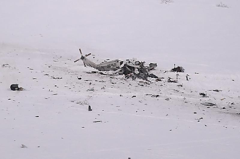 Elicottero Yahoo : Italy avalanche toll at as helicopter crash adds to pain