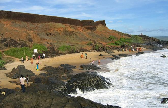 Bakel Fort Beach Kasaragod
