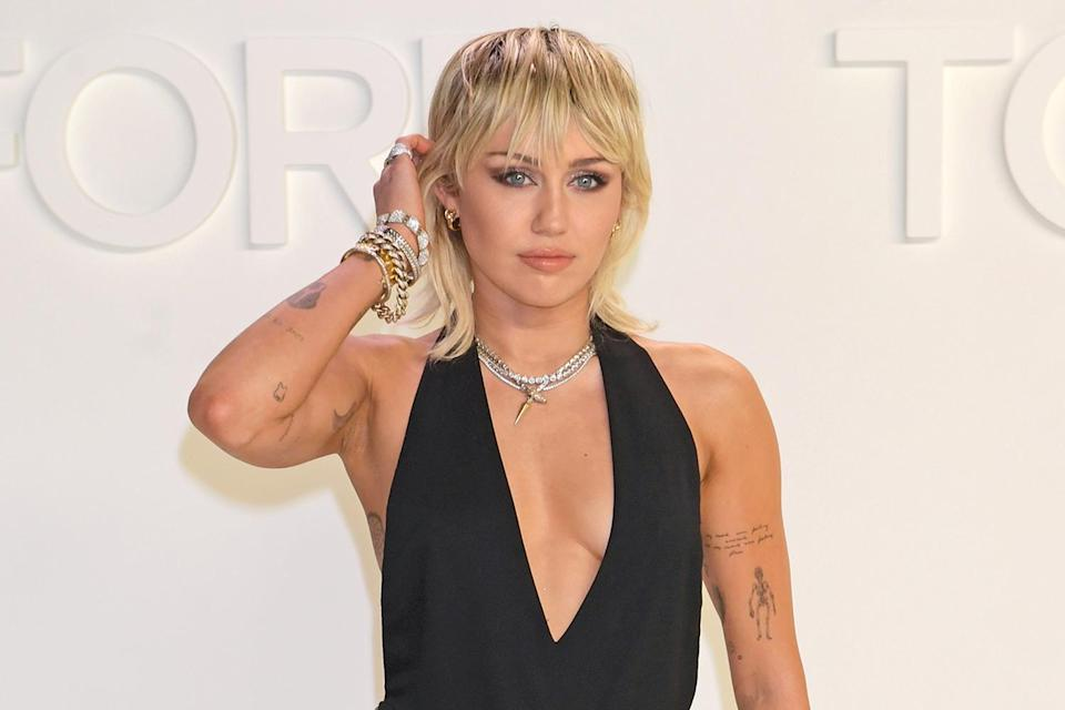 """<p>One ascent """"The Climb"""" singer is wary of is into the high skies! Speaking on her <a href=""""https://people.com/music/miley-cyrus-had-a-terrifying-plane-ride-with-her-mom-and-sister-on-the-way-to-glastonbury-festival/"""" rel=""""nofollow noopener"""" target=""""_blank"""" data-ylk=""""slk:podcast"""" class=""""link rapid-noclick-resp"""">podcast</a> in 2019, Cyrus' older sister Brandi described her sibling as a<a href=""""https://people.com/music/miley-cyrus-had-a-terrifying-plane-ride-with-her-mom-and-sister-on-the-way-to-glastonbury-festival/"""" rel=""""nofollow noopener"""" target=""""_blank"""" data-ylk=""""slk:&quot;very nervous&quot;"""" class=""""link rapid-noclick-resp""""> """"very nervous""""</a> flyer and said she got scarred from a harrowing flight to a U.K. music festival.</p> <p>Though the aircraft touched down safely after a bit of a bumpy landing, the experience apparently inspired Cyrus to open up about her aerophobia — and overcoming it — around the same time. </p> <p>Telling Twitter followers to write down three people, places or things that made them feel strong, <a href=""""https://twitter.com/MileyCyrus/status/1147924835080855552"""" rel=""""nofollow noopener"""" target=""""_blank"""" data-ylk=""""slk:she tweeted"""" class=""""link rapid-noclick-resp"""">she tweeted</a>: """"Flying in the sky (because it's always been one of my fears & I love conquering anything I'm afraid of.""""</p>"""