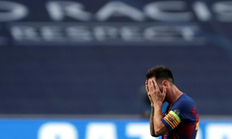 Barcelona players booed by fans after losing 8-2 to Bayern Munich