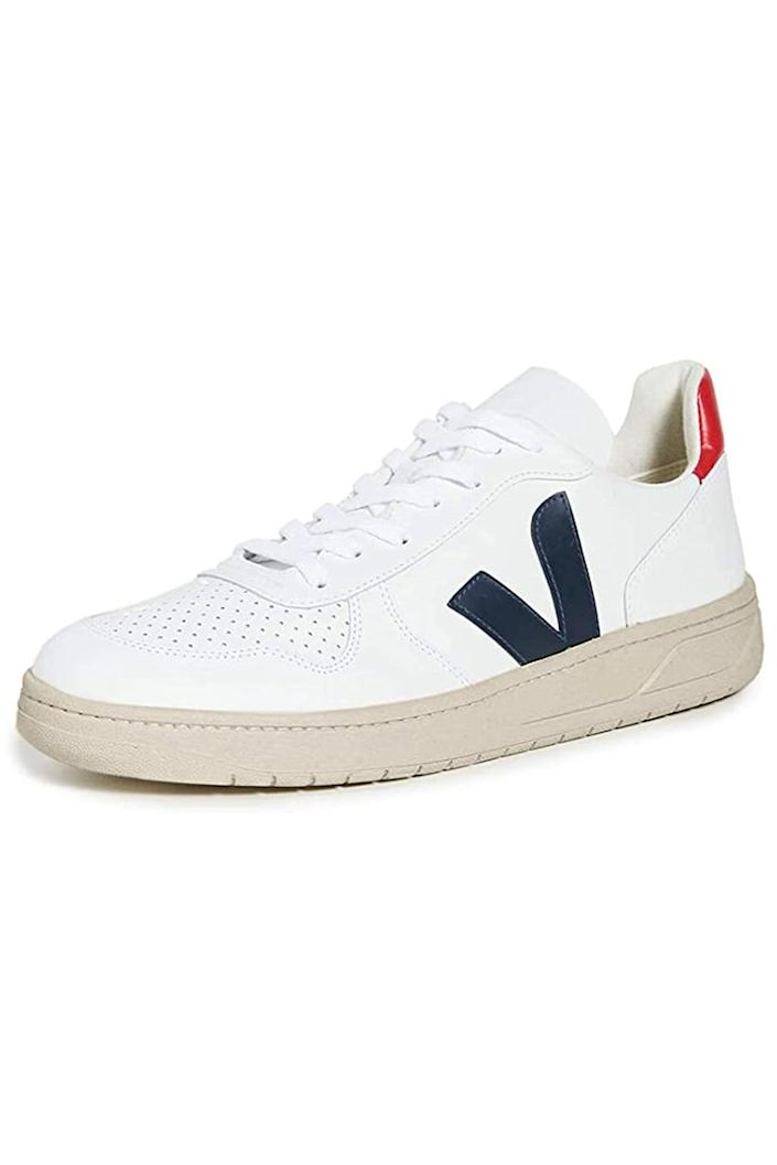"""<p><strong>Veja</strong></p><p>amazon.com</p><p><strong>$142.50</strong></p><p><a href=""""https://www.amazon.com/dp/B01JBWRAX2?tag=syn-yahoo-20&ascsubtag=%5Bartid%7C10067.g.19408606%5Bsrc%7Cyahoo-us"""" rel=""""nofollow noopener"""" target=""""_blank"""" data-ylk=""""slk:Shop Now"""" class=""""link rapid-noclick-resp"""">Shop Now</a></p><p>Copy the <a href=""""https://www.townandcountrymag.com/style/fashion-trends/g3272/meghan-markle-preppy-style/"""" rel=""""nofollow noopener"""" target=""""_blank"""" data-ylk=""""slk:Duchess of Sussex's fresh and contemporary style"""" class=""""link rapid-noclick-resp"""">Duchess of Sussex's fresh and contemporary style</a> with a pair of Veja sneakers, which she has been <a href=""""https://www.townandcountrymag.com/society/tradition/g27244254/meghan-markle-favorite-shoes/"""" rel=""""nofollow noopener"""" target=""""_blank"""" data-ylk=""""slk:known to wear"""" class=""""link rapid-noclick-resp"""">known to wear</a>. </p>"""