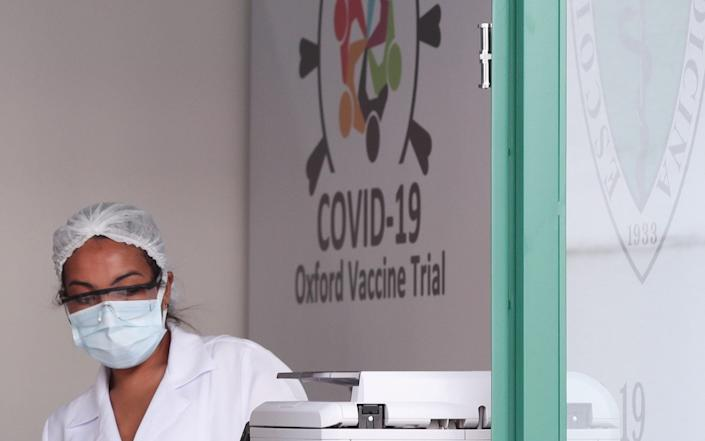 An employee is seen at the Reference Center for Special Immunobiologicals (CRIE) of the Federal University of Sao Paulo (Unifesp) where the trials of the Oxford/AstraZeneca coronavirus vaccine are conducted - Amanda Perobelli/Amanda Perobelli