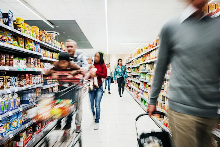 Grocery shopping is overwhelming enough during a pandemic. If you want to take climate change into consideration too, it can be dizzying. (Photo: Tom Werner via Getty Images)