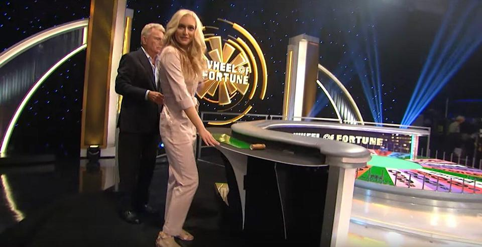 Pat and Maggie Give a Tour of the Celebrity Wheel of Fortune Set