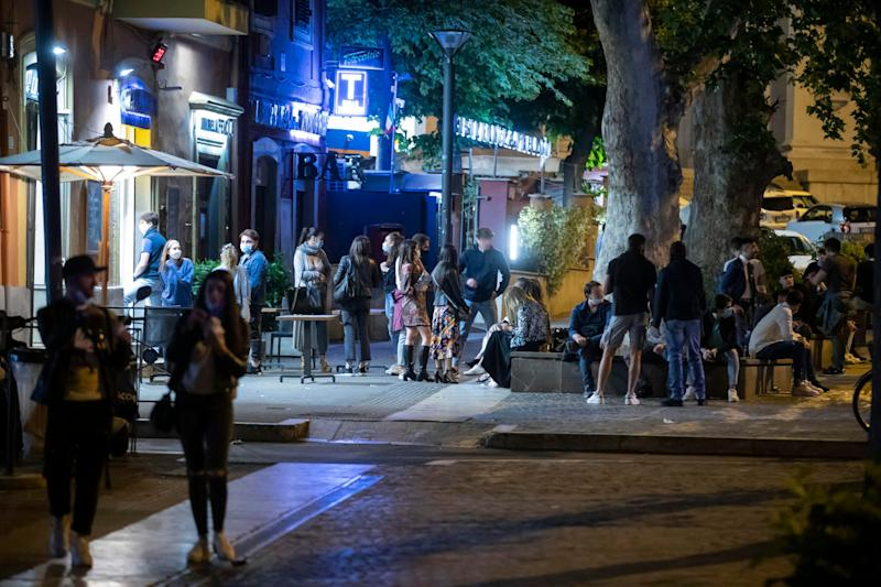 Groups of young people gather at night in bars or cafes to spend the night at Ponte Milvio in Rome, Italy, 21 May 2020. ANSA/MASSIMO PERCOSSI (Photo: ANSA)