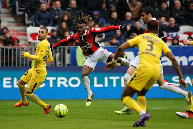 Soccer Football - Ligue 1 - OGC Nice vs Paris St Germain - Allianz Riviera, Nice, France - March 18, 2018 Nice's Allan Saint-Maximin shoots at goal REUTERS/Jean-Paul Pelissier