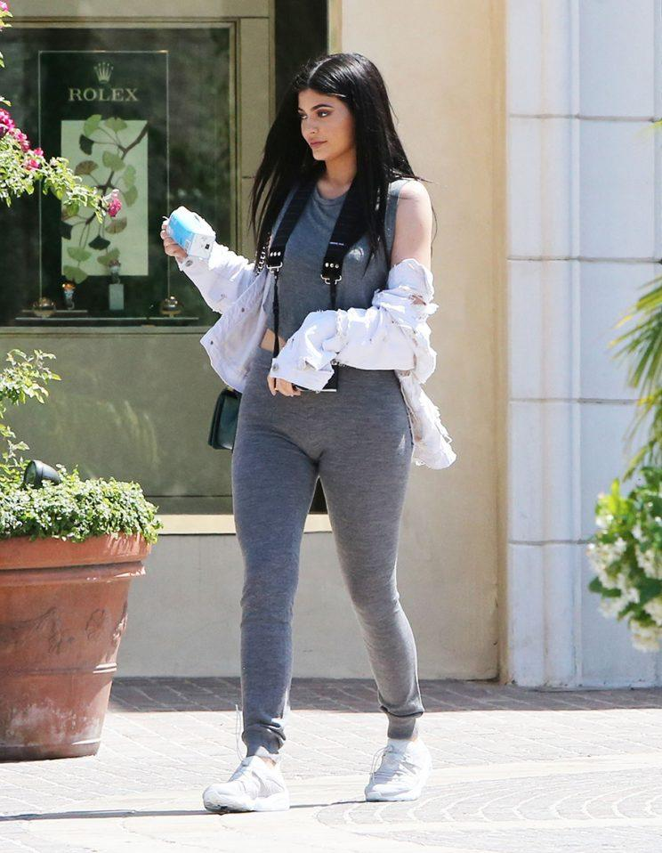 Kylie Jenner in groutfit.