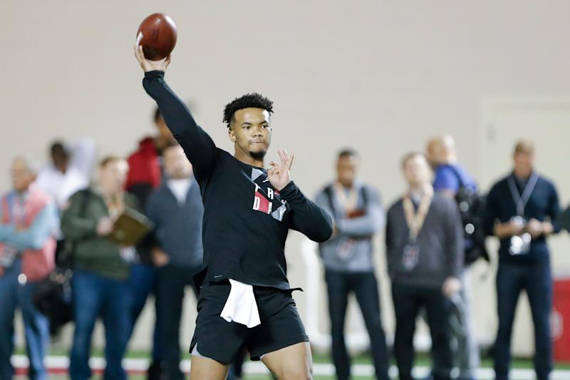 All eyes are on Oklahoma quarterback Kyler Murray ... but what if the Cardinals don't take him? (AP Photo)