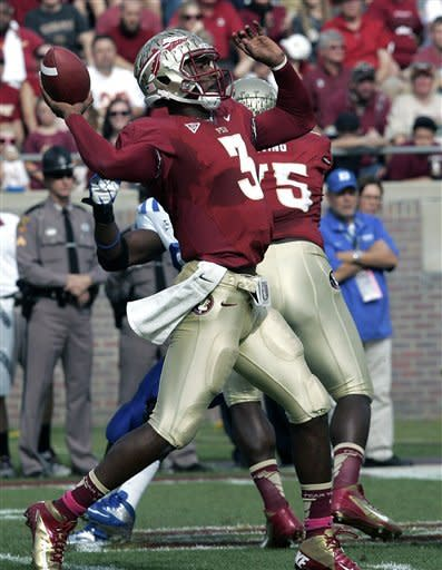 Florida State's EJ Manuel throws to Rashad Greene for a touchdown against Duke in the first quarter of an NCAA college football game on Saturday, Oct. 27, 2012, in Tallahassee, Fla.(AP Photo/Steve Cannon)