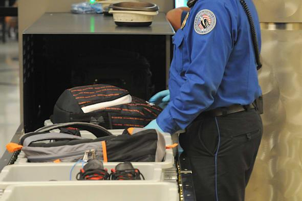 mother's ashes spilled by tsa agents