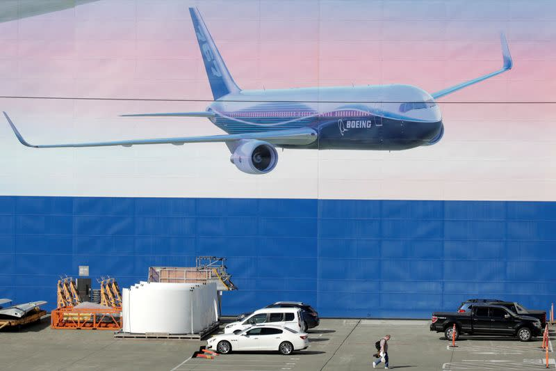 Boeing extends Washington state production shutdown indefinitely