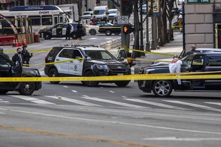 LOS ANGELES, CA - APRIL 27: LAPD investigates scene of shooting at 7th and Figueroa Streets where an Uber driver was shot and killed on Tuesday, April 27, 2021 in downtown Los Angeles, CA. (Brian van der Brug / Los Angeles Times)