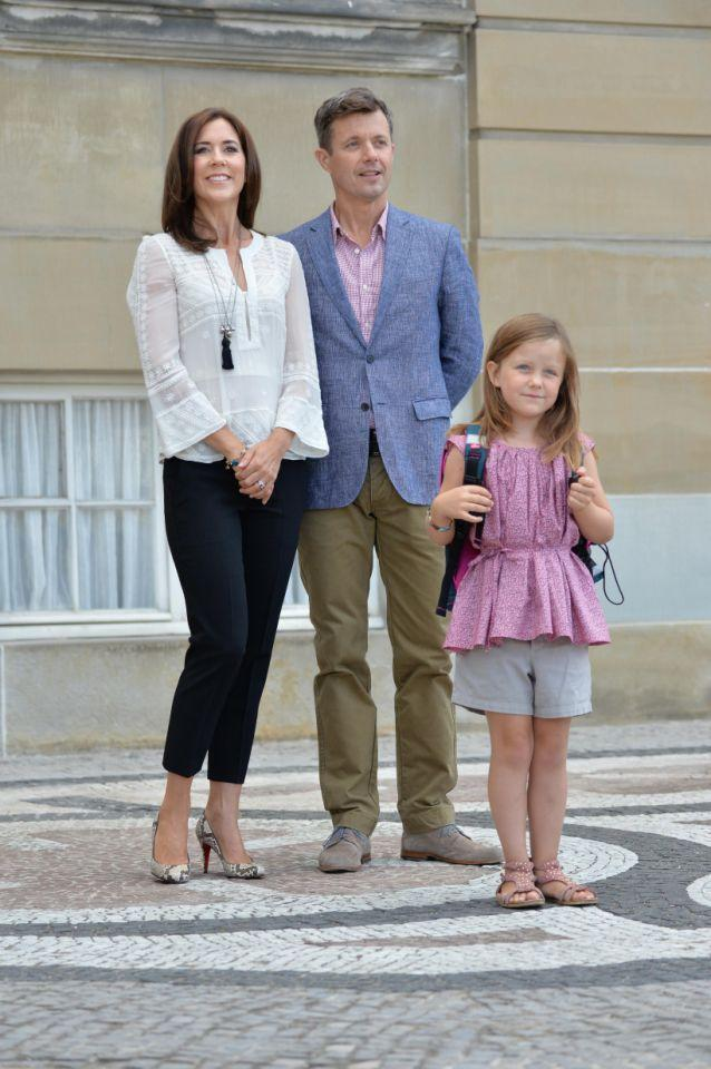 <p>August 2013: The proud parents send Princess Isabella off on her first day at Tranegard school. Photo: Getty Images.</p>